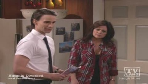 Hot in Cleveland : Tangled Web
