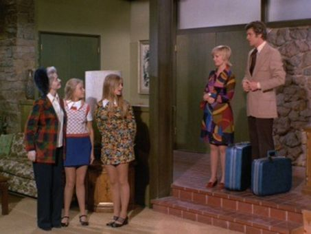The Brady Bunch : You're Never Too Old
