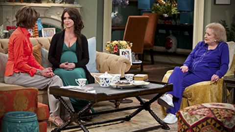 Hot in Cleveland : Elka Takes a Lover