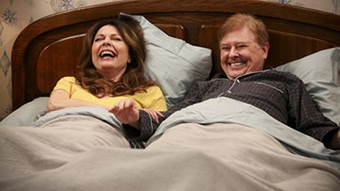 Hot in Cleveland : Undercover Lovers