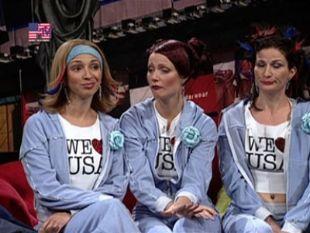 Saturday Night Live : Gwyneth Paltrow; Ryan Adams