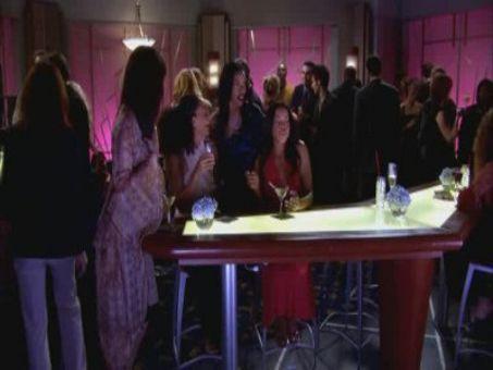 Girlfriends : Runaway Bridesmaid