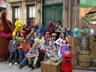 Sesame Street: Elmo's World - The Street We Live On