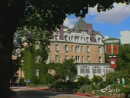 Ghost Hunters : The Crescent Hotel & Dr. Ellis