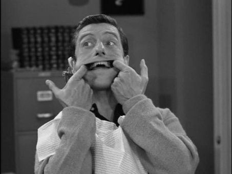 The Dick Van Dyke Show : A Man's Teeth Are Not His Own
