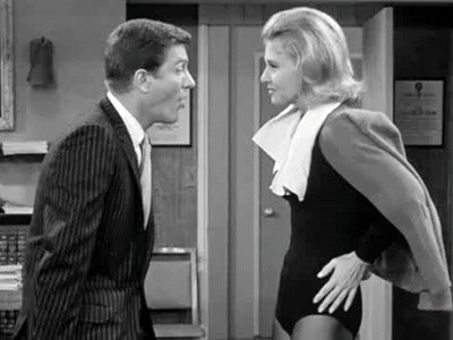 The Dick Van Dyke Show : How to Spank a Star