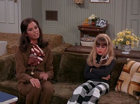 The Mary Tyler Moore Show : Bess, You Is My Daughter Now