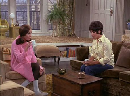 The Mary Tyler Moore Show : More than Neighbors
