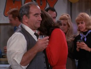 The Mary Tyler Moore Show : Party Is Such Sweet Sorrow