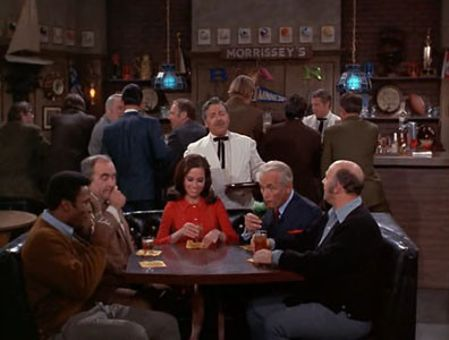 The Mary Tyler Moore Show : The Boss Isn't Coming to Dinner