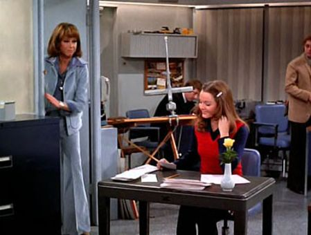 The Mary Tyler Moore Show : I Gave at the Office