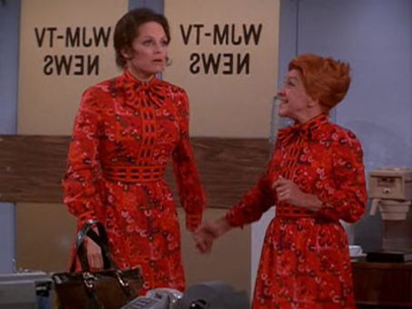 The Mary Tyler Moore Show : A Girl's Best Mother Is Not Her Friend