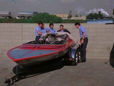 Emergency : The Boat