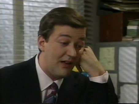 A Bit of Fry and Laurie : Episode 4.1