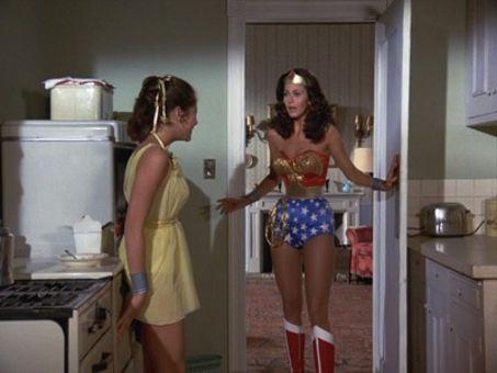 Wonder Woman : Feminum Mystique