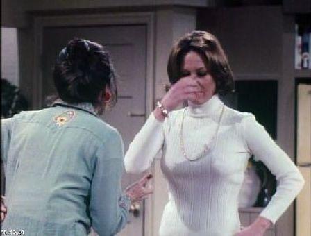 Rhoda : Along Comes Mary