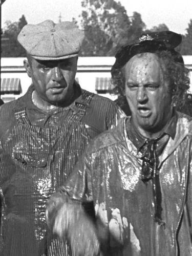 The Three Stooges : Slippery Silks