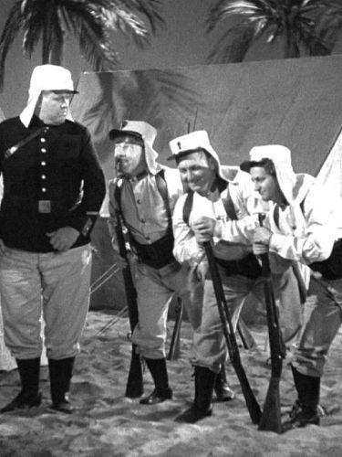 The Three Stooges : Wee Wee Monsieur
