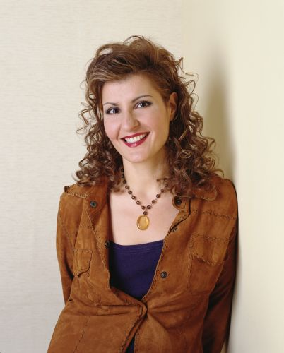 Nia Vardalos | Biography, Movie Highlights and Photos ...