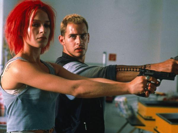 a comprehensive review of run lola run a film by tom tykwer The opening and closing scenes in 'run lola run' directed by tom tykwer depict the growth or development in the relationships between characters, in particular that of the lead characters, lola and manni.