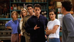 Friends: The One Where Chandler Can't Remember Which Sister