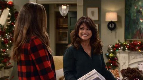 Hot in Cleveland : Cold In Cleveland: The Christmas Episode
