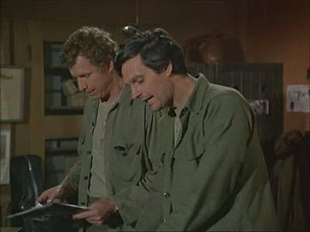 M*A*S*H : For the Good of the Outfit
