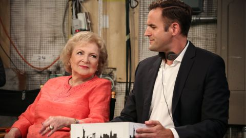 Hot in Cleveland : Comfort and Joy