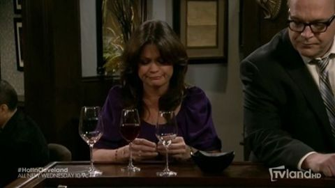Hot in Cleveland : The Fixer