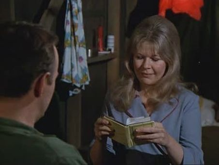 M*A*S*H : Henry in Love
