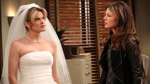 Hot in Cleveland : One Wedding and One Funeral
