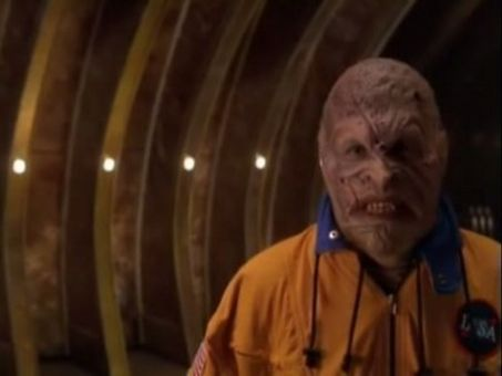 Farscape : Throne for a Loss