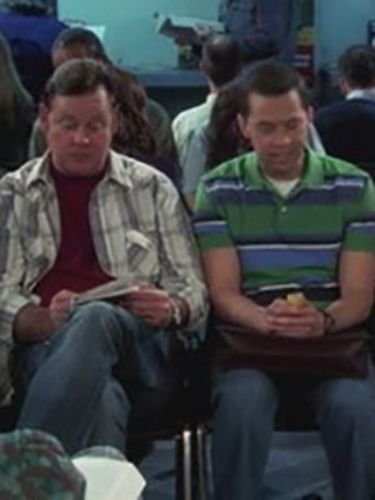 Two and a Half Men : Mr. McGlue's Feedbag