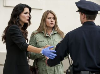 Rizzoli & Isles: She Works Hard for the Money