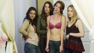 Sirens: Rachel McAdams Topless