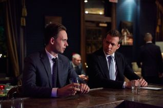 Suits: Uninvited Guests