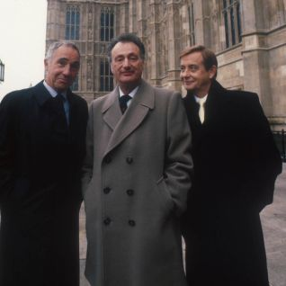 Yes, Prime Minister [TV Series]