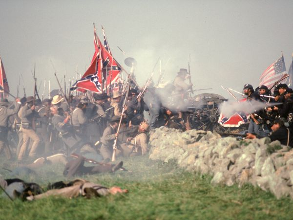 a review of gettysburg an epic war film by ronald f maxwell Gettysburg is a 1993 american epic war film written and directed by ronald f  maxwell,  gettysburg received an 80% positive rating on the film-critics  aggregator rotten tomatoes, based on 20 reviews roger ebert of the chicago  sun-times.