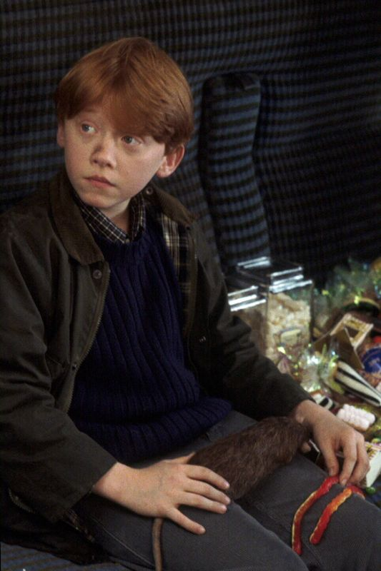 a plot summary of the story of harry porter and sorcerers stone Boekverslag engels harry potter and the philosopher's stone door jk rowling menu short summary harry potter, an eleven year old boy in amerika is hij later hertiteld naar the sorcerers stone.