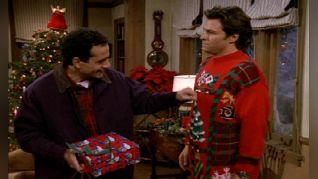 Wings: 'Twas the Heist Before Christmas