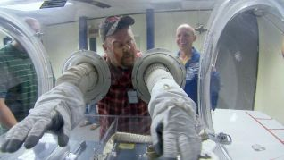 Only in America With Larry the Cable Guy: Larry is an Astronaut