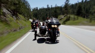 Only in America With Larry the Cable Guy: Larry Rides With the Hell's Angels