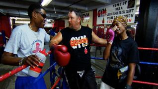 Only in America With Larry the Cable Guy: Larry Steps Into the Ring