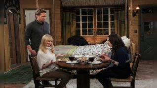 2 Broke Girls: And the Bear Truth