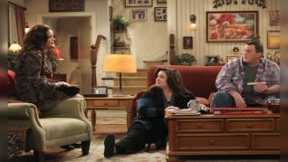 Mike & Molly: Rich Man, Poor Girl
