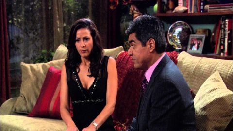 George Lopez : George Tries to Write a Wrong