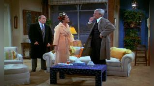 The Mary Tyler Moore Show: Mary Gets a Lawyer