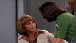 The Mary Tyler Moore Show: Best of Enemies