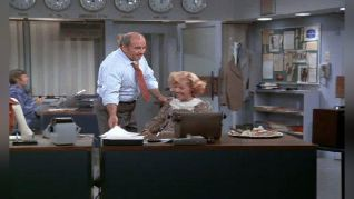 The Mary Tyler Moore Show: Mary Midwife