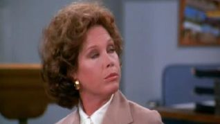 The Mary Tyler Moore Show: Lou Douses an Old Flame